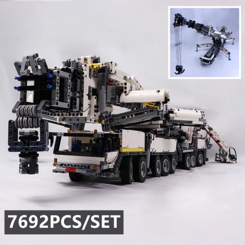 The Liebherr LTM11200  With RC | MOC